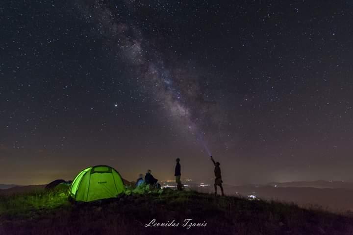 φωτογραφία από την καλοκαιρινή μας ορειβασία και κατασκήνωση στην Χιονίστρα, Ελαταριάς, Θσπρωτίας! Η φωτογραφία αυτή είναι του Λεωνίδα Τζάνη!